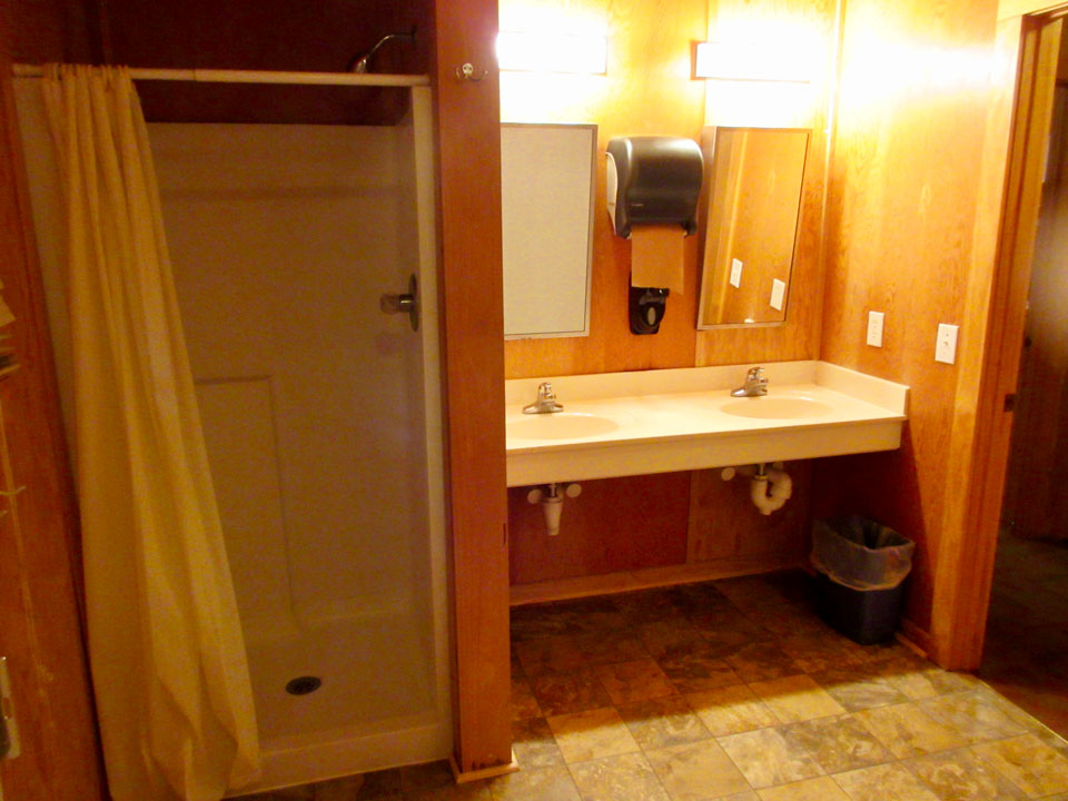 Camp Oak Hill Cabin Bathroom